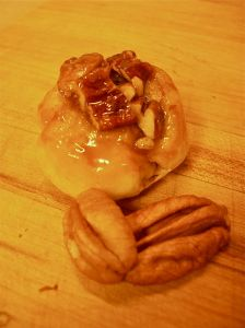 pecan sticky roll