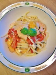 tomato shrimp noodles